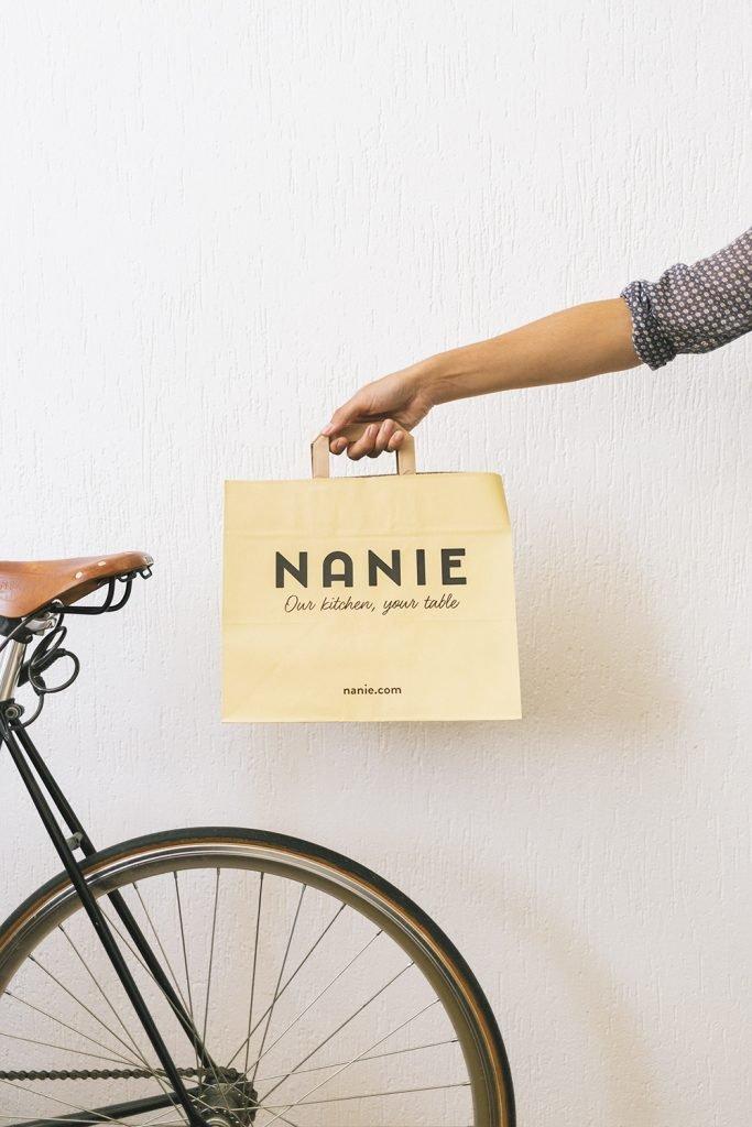 nanie delivery sostenibile milano consegna su bici