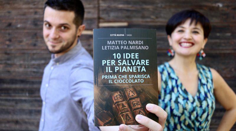 """Arriva in libreria """"10 idee per salvare il pianeta (Prima che sparisca il cioccolato)"""", la guida per imparare a vivere in modo più sostenibile"""